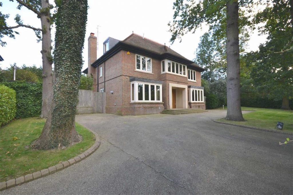 Greenoak Place, Hadley Wood, Hertfordshire