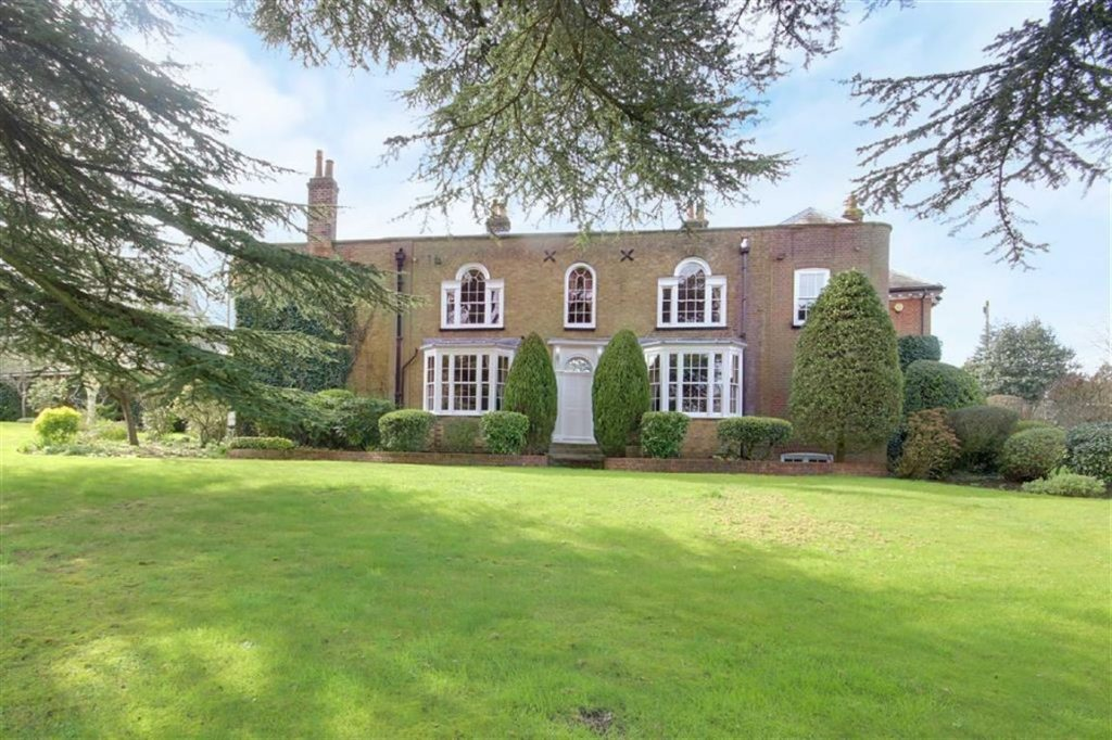 10 Bed House And 7 Bed Cottage, Blanche Lane, South Mimms, Hertfordshire