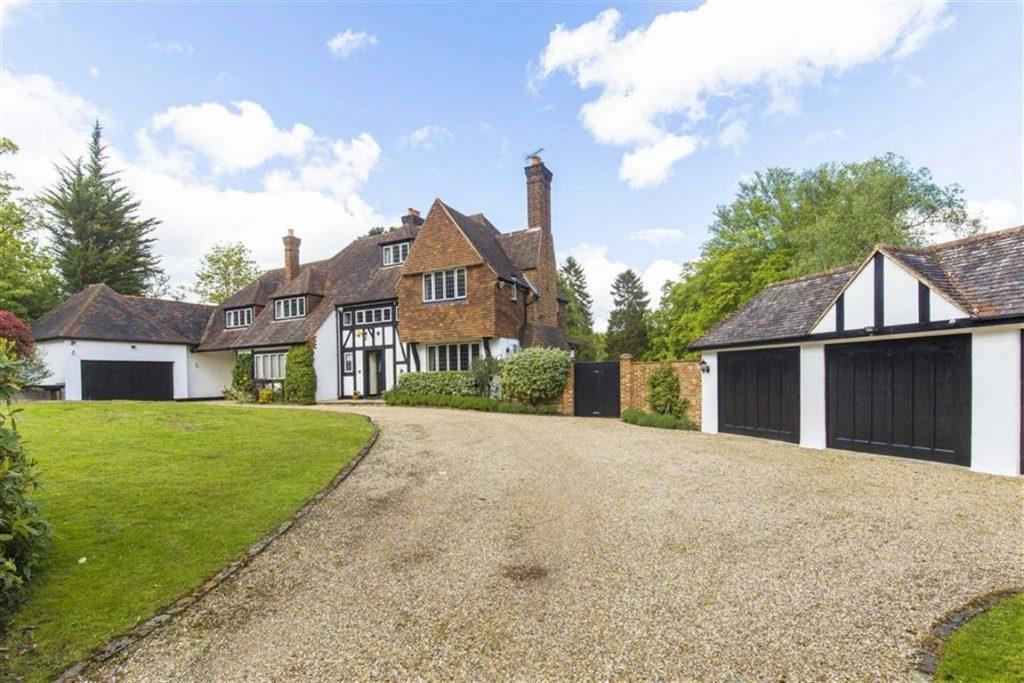 Homewood Lane, Northaw, Hertfordshire