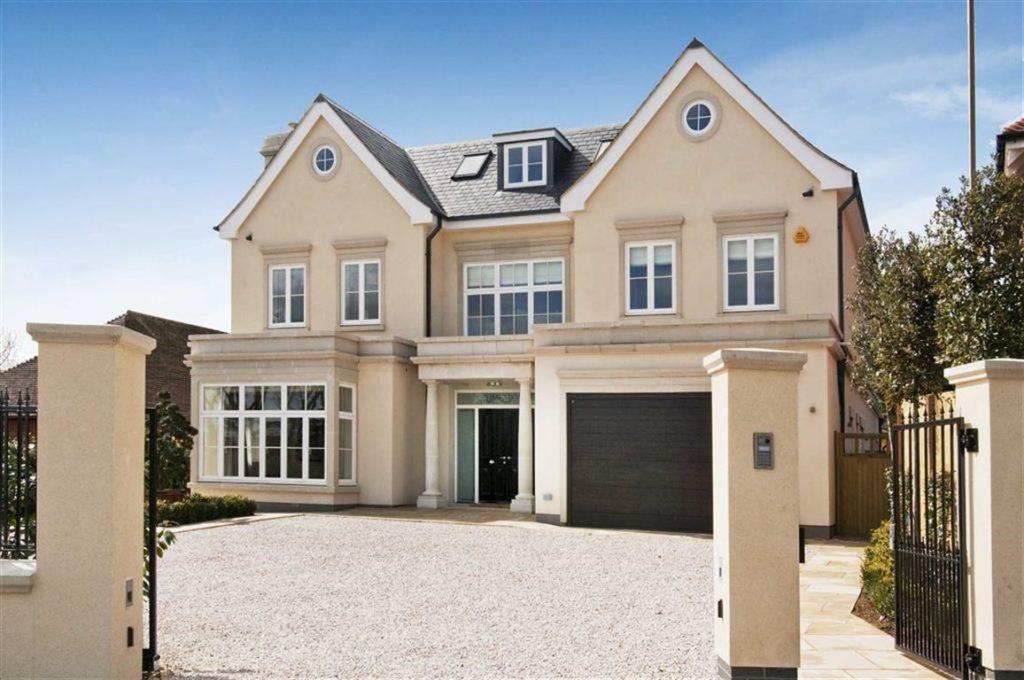 Beech Hill Avenue, Hadley Wood, Hertfordshire