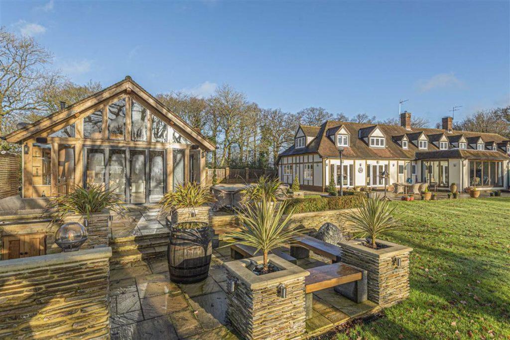 Tudor Manor Farm Cottages, Bayford