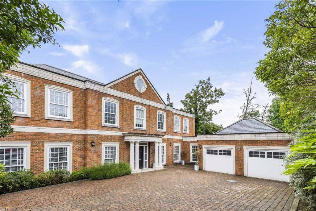 Beech Hill, Hadley Wood, Hertfordshire